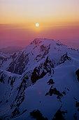 USA, Washington, Olympic National Park, Mount Olympus at sunset