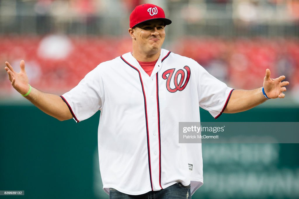 Washington Redskins outside linebacker Ryan Kerrigan throws a ceremonial first pitch before a game between the New York Mets and Washington Nationals at Nationals Park on August 25, 2017 in Washington, DC.
