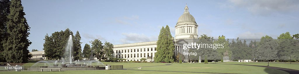 Washington State Capitol and Fountain