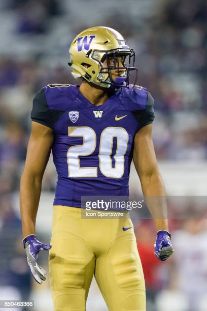 Washington Ty Jones gets set for the next play during a college football game between the Washington Huskies and the Fresno State Bulldogs on...