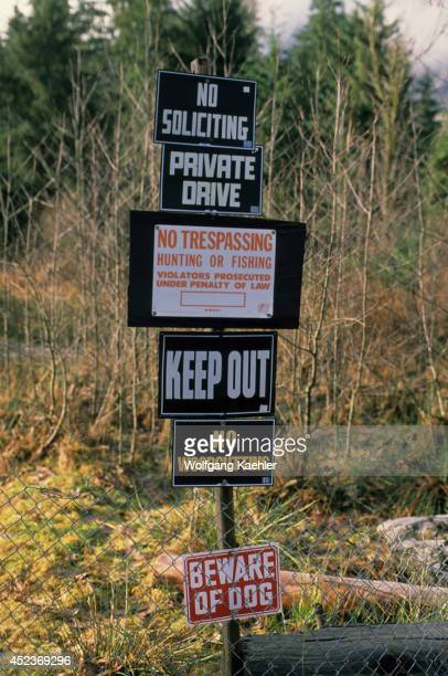USA Washington Warning Signs No Trespassing Signs