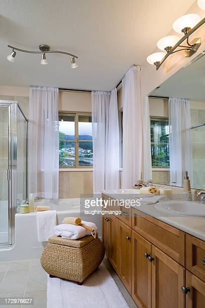 Casa moderna bagno per gli ospiti