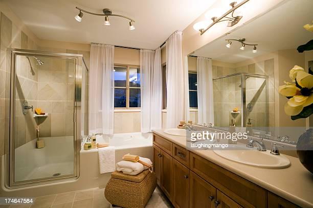 Lavabo de la salle de bains