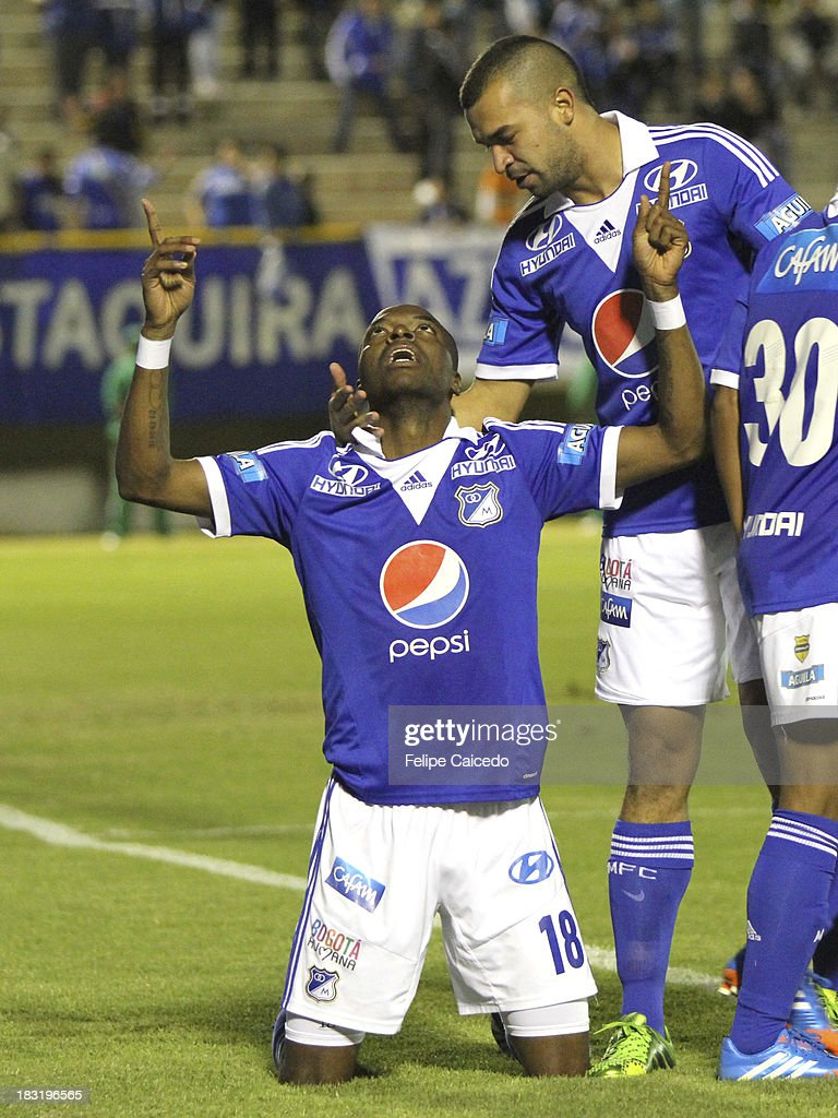 <a gi-track='captionPersonalityLinkClicked' href=/galleries/search?phrase=Wason+Renteria&family=editorial&specificpeople=666364 ng-click='$event.stopPropagation()'>Wason Renteria</a> of Millonarios celebrates the second goal against Patriotas FC during to the Liga Postobon Cup match between Millonarios and Patriotas FC at La Independencia Stadium on October 5, 2013 in Tunja , Colombia.