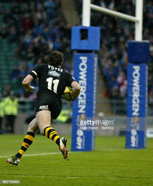 Wasps Tom Voyce runs towards the posts on his way to scoring a try