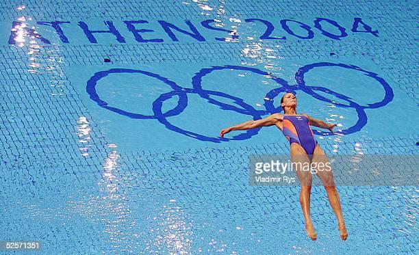Wasserspringen Olympische Spiele Athen 2004 Athen Kunstspringen 3m / Frauen Finale / 11 Platz Ditte KOTZIAN / GER 260804