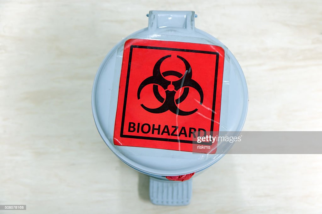 waste bin with biohazard sign : Bildbanksbilder