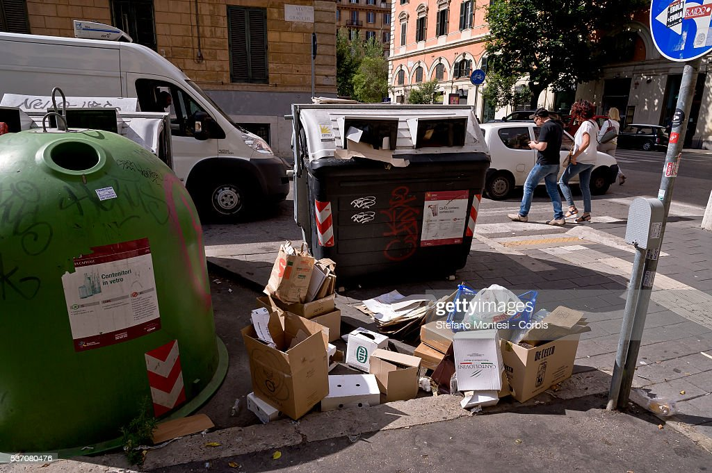 Waste on the street in Prati neighborhood during Garbage collectors strike today throughout Italy in support of the dispute for the contract renewal. The workers conducted a protest outside the headquarters of Utilitalia, the association representing the energy and environmental water companies on May 30, 2016 in Rome, Italy. The adherence to the strike was 90% of the 7,800 employees of Ama (Municipal Environment Company Rome) and across Italy where there are about a hundred thousand workers. (Photo by Stefano Montesi/Corbis via Getty Images).