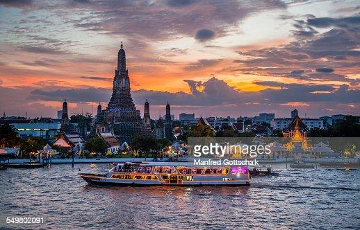 Wat Arun Bangkok at sunset