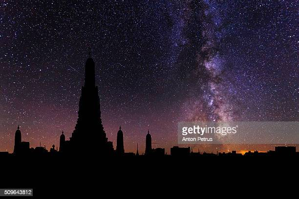 Wat Arun in the background of the starry sky