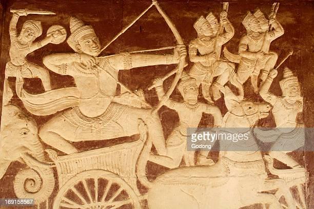 Wat Ounalom sculpture depicting a battle scene from the Ramayana