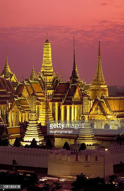 wat phra kaeo grand palace bangkok thailand