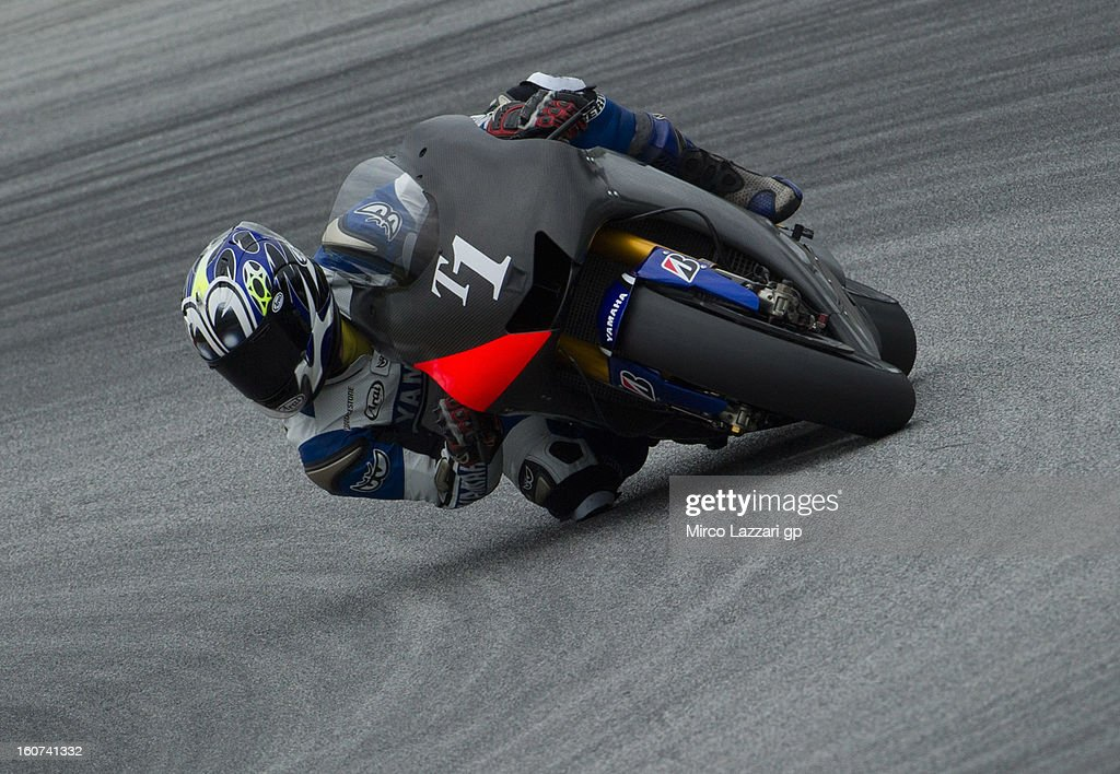 Wataru Yoshikawa of Japan and Yamaha Factory Racing (test rider) rounds the bend during the MotoGP Tests in Sepang - Day Three at Sepang Circuit on February 5, 2013 in Kuala Lumpur, Malaysia.