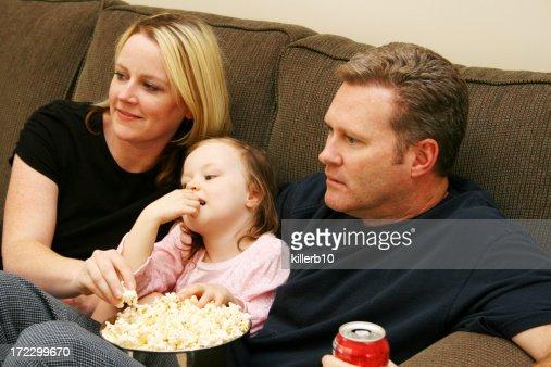 Non stop film foto e immagini stock getty images for Guardare la tv