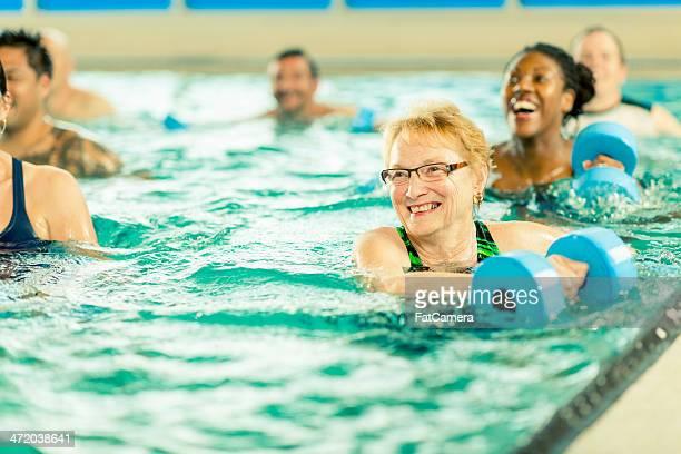 Wasser-Aerobic-Übung Gruppe