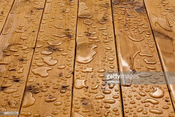 Gotículas de água em madeira