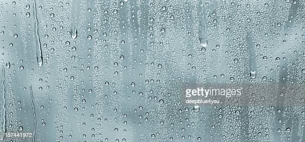 Wassertropfen auf Fenster