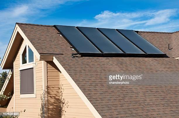 Wasser Sonnenkollektoren und zuhause, Außenansicht