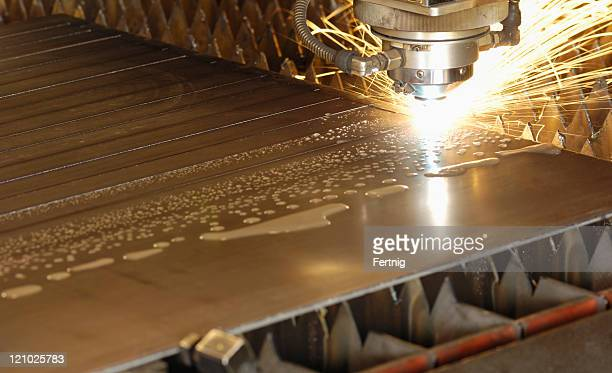Water-cooled laser metal cutting head