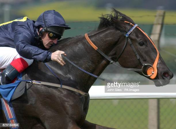 Waterline Dancer and John Egan win the Totevision Screen Median Auction Maiden Fillies Stakes at Pontefract Races
