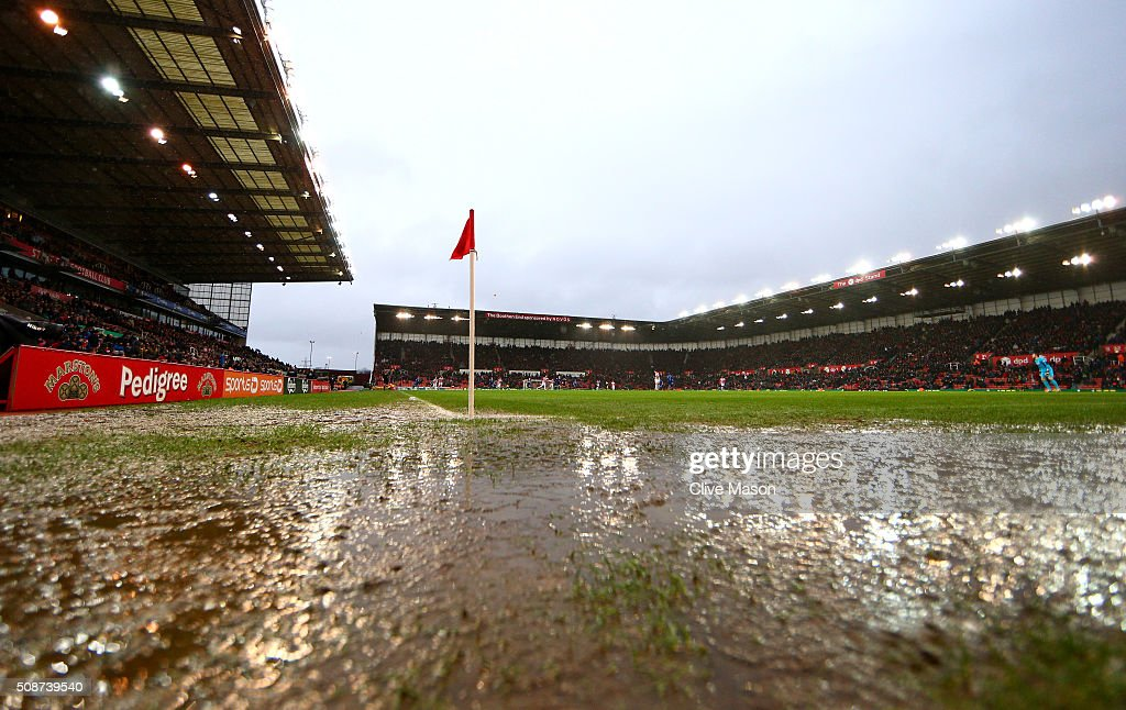 Waterlogged pitch is seen during the Barclays Premier League match between Stoke City and Everton at Britannia Stadium on February 6, 2016 in Stoke on Trentl, England.