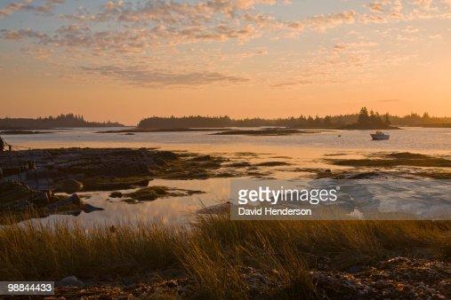 Water�s edge at Blue Rocks, Nova Scotia