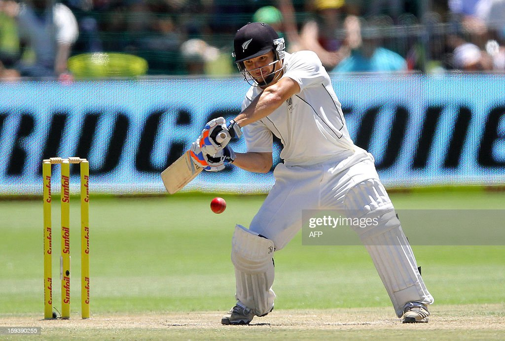 BJ Watling of New Zealand bats on the third day of the second and final test match between South Africa and New Zealand at the Axxess St George's Cricket Stadium on January 13, 2013 in Port Elizabeth. AFP Photo / Anesh Debiky