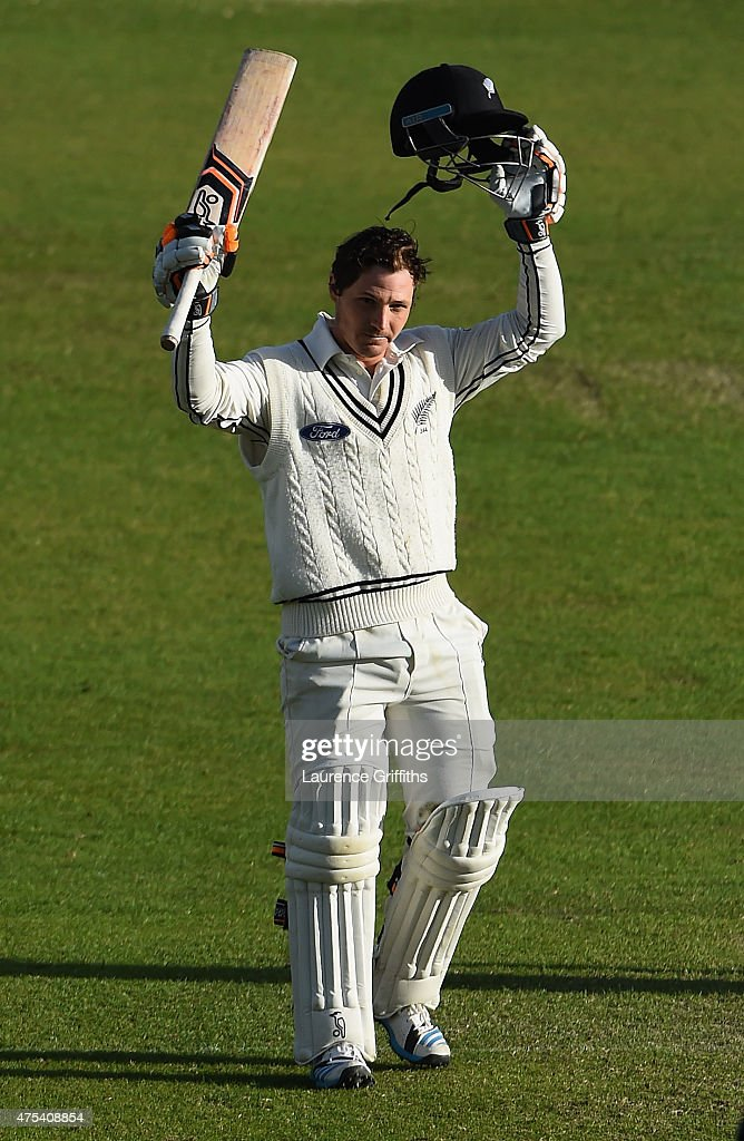 <a gi-track='captionPersonalityLinkClicked' href=/galleries/search?phrase=BJ+Watling&family=editorial&specificpeople=2115739 ng-click='$event.stopPropagation()'>BJ Watling</a> of New Zealand celebrates scoring a century during day three of the 2nd Investec Test Match between England and New Zealand at Headingley on May 31, 2015 in Leeds, England.