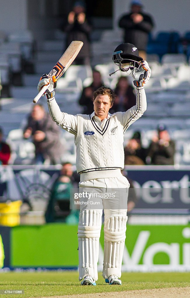 <a gi-track='captionPersonalityLinkClicked' href=/galleries/search?phrase=BJ+Watling&family=editorial&specificpeople=2115739 ng-click='$event.stopPropagation()'>BJ Watling</a> of New Zealand celebrates scoring a century during day three of the 2nd Investec Test match between England and New Zealand at Headingley Cricket Ground on May 31, 2015 in Leeds, England.