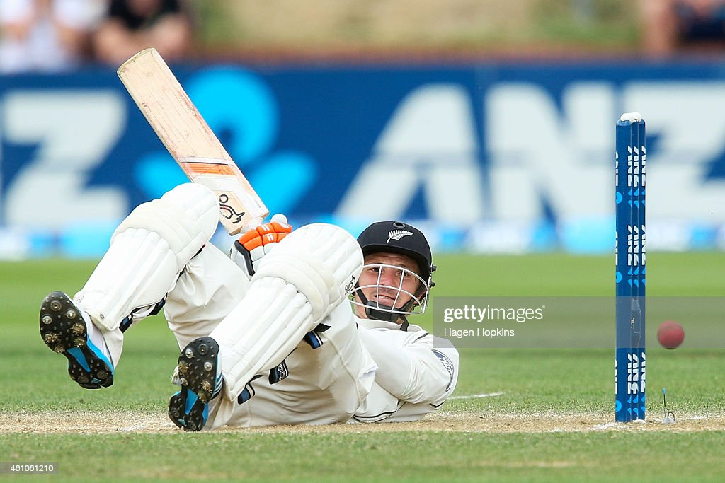 Watling of New Zealand looks on after being struck by a bouncer during day four of the Second Test match between New Zealand and Sri Lanka at Basin...