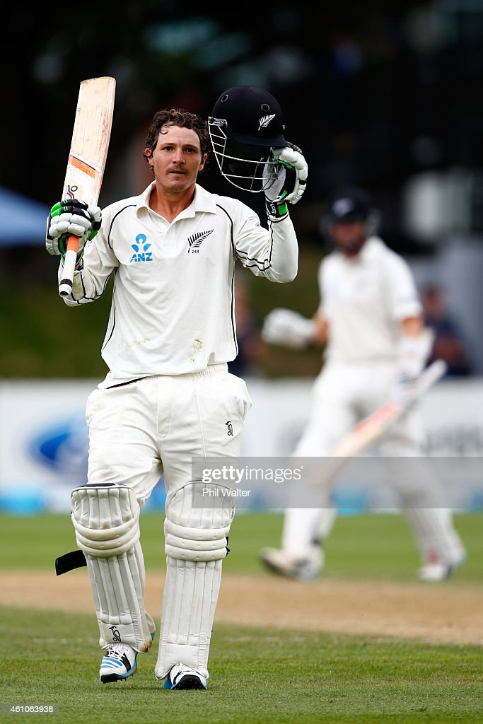 Watling of New Zealand makes his century during day four of the Second Test match between New Zealand and Sri Lanka at the Basin Reserve on January 6...