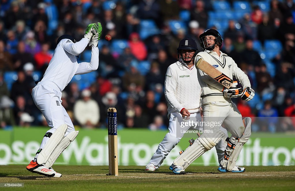 Watling of New Zealand presents a rare chance to Jos Butler of England during day three of the 2nd Investec Test Match between England and New...