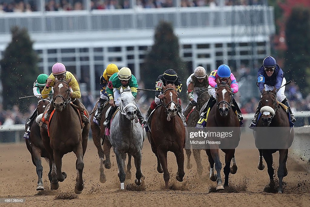 Wavell Avenue # 7, ridden by <a gi-track='captionPersonalityLinkClicked' href=/galleries/search?phrase=Joel+Rosario&family=editorial&specificpeople=6495860 ng-click='$event.stopPropagation()'>Joel Rosario</a> win the Breeders' Cup Filly and Mare Sprint during Day 2 of the Breeders' Cup at Keeneland Racecourse on October 31, 2015 in Lexington, Kentucky.
