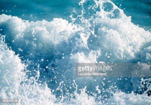 Waves crashing : Stock Photo