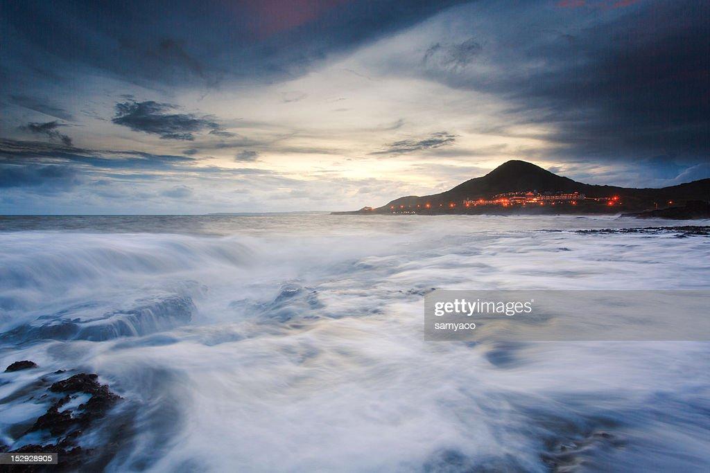 Waves on rocks : Stock Photo