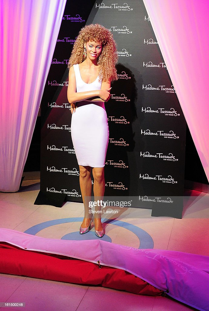 A wax figure of <a gi-track='captionPersonalityLinkClicked' href=/galleries/search?phrase=Whitney+Houston&family=editorial&specificpeople=201541 ng-click='$event.stopPropagation()'>Whitney Houston</a> is unveiled at Madame Tussauds Las Vegas at The Venetian on February 11, 2013 in Las Vegas, Nevada.