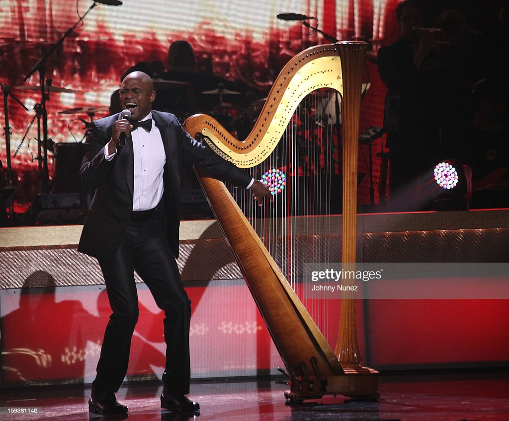 <a gi-track='captionPersonalityLinkClicked' href=/galleries/search?phrase=Wayne+Brady+-+Actor&family=editorial&specificpeople=217495 ng-click='$event.stopPropagation()'>Wayne Brady</a> performs at the BET Honors 2013 at Warner Theatre on January 12, 2013 in Washington, DC.