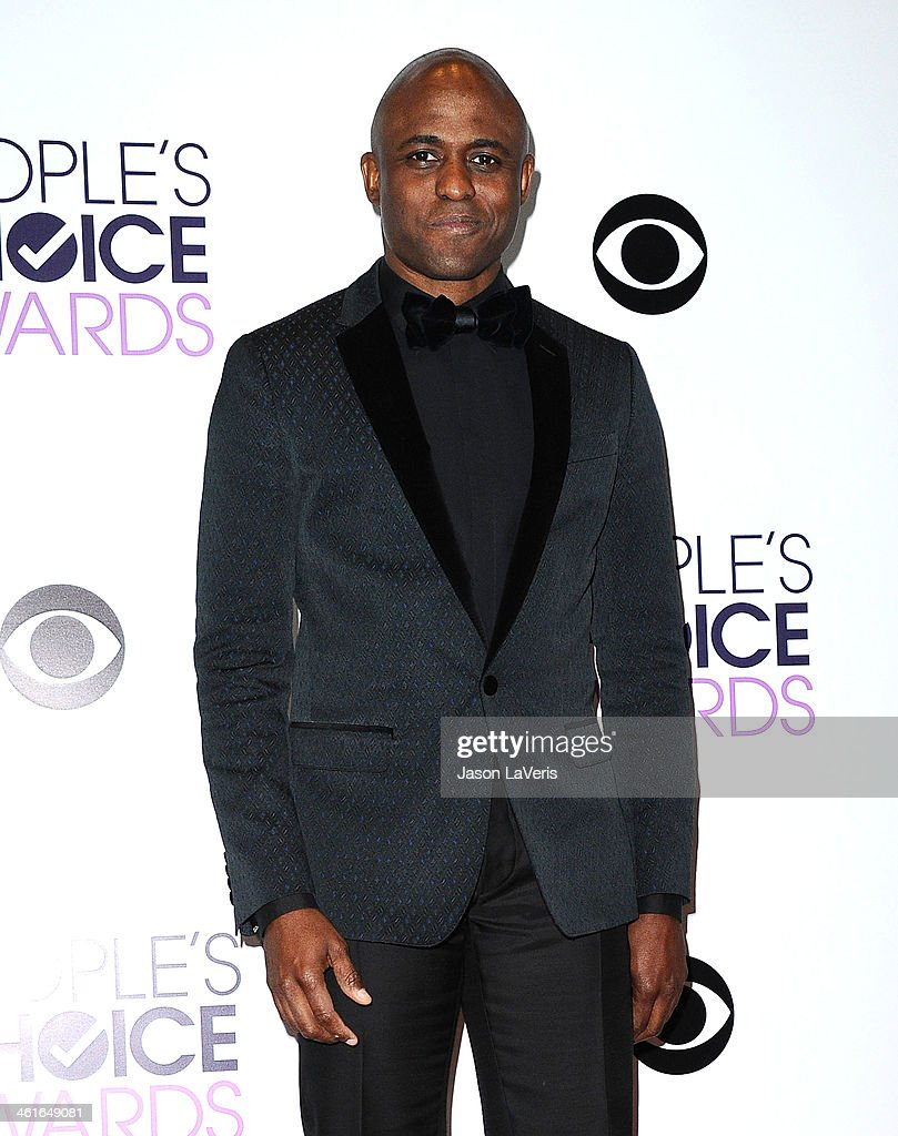 <a gi-track='captionPersonalityLinkClicked' href=/galleries/search?phrase=Wayne+Brady+-+Actor&family=editorial&specificpeople=217495 ng-click='$event.stopPropagation()'>Wayne Brady</a> poses in the press room at the 40th annual People's Choice Awards at Nokia Theatre L.A. Live on January 8, 2014 in Los Angeles, California.