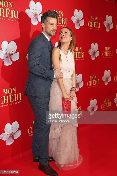 Wayne Carpendale and his wife Annemarie Carpendale during the Mon Cheri Barbara Tag 2016 at Postpalast on December 2 2016 in Munich Germany