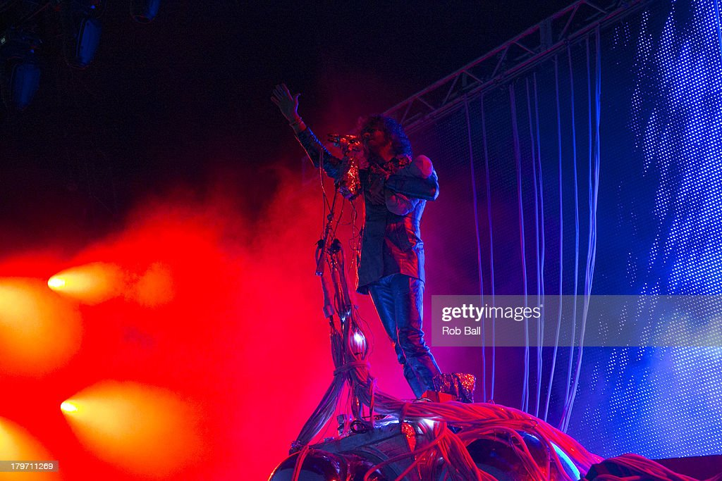 <a gi-track='captionPersonalityLinkClicked' href=/galleries/search?phrase=Wayne+Coyne&family=editorial&specificpeople=204435 ng-click='$event.stopPropagation()'>Wayne Coyne</a> from the Flaming Lips performs at Day 2 of Bestival at Robin Hill Country Park on September 6, 2013 in Newport, Isle of Wight.