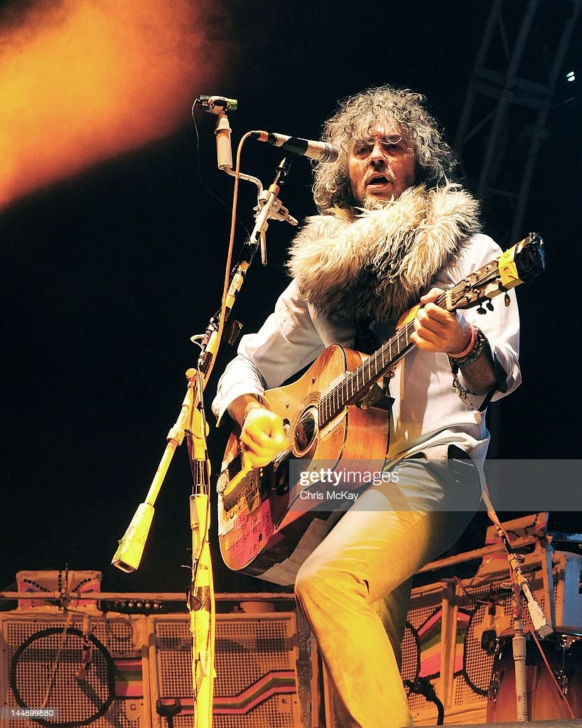 <a gi-track='captionPersonalityLinkClicked' href=/galleries/search?phrase=Wayne+Coyne&family=editorial&specificpeople=204435 ng-click='$event.stopPropagation()'>Wayne Coyne</a> of Flaming Lips performs during Party In The Park at Centennial Olympic Park on May 19, 2012 in Atlanta, Georgia.