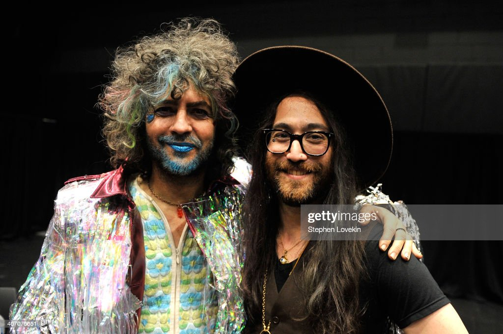 <a gi-track='captionPersonalityLinkClicked' href=/galleries/search?phrase=Wayne+Coyne&family=editorial&specificpeople=204435 ng-click='$event.stopPropagation()'>Wayne Coyne</a> of The Flaming Lips (L) and <a gi-track='captionPersonalityLinkClicked' href=/galleries/search?phrase=Sean+Lennon&family=editorial&specificpeople=206368 ng-click='$event.stopPropagation()'>Sean Lennon</a> attend the Amnesty International Concert presented by the CBGB Festival at Barclays Center on February 5, 2014 in New York City