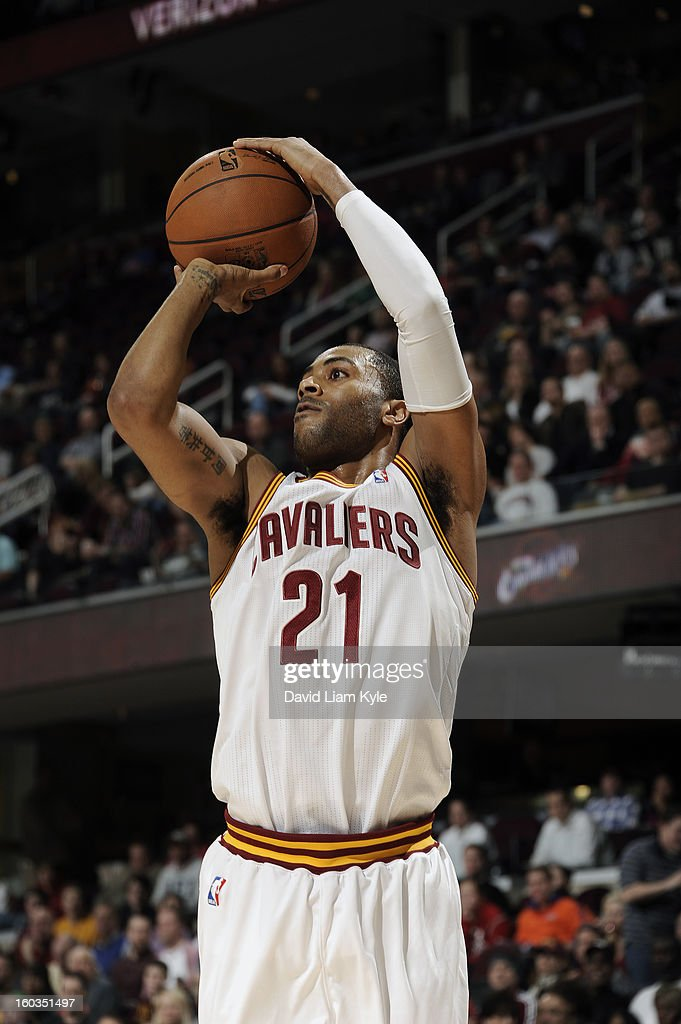 Wayne Ellington #21 of the Cleveland Cavaliers shoots a three pointer against the Golden State Warriors at The Quicken Loans Arena on January 29, 2013 in Cleveland, Ohio.