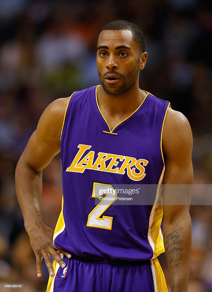 Wayne Ellington of the Los Angeles Lakers during the NBA game against the Phoenix Suns at US Airways Center on October 29 2014 in Phoenix Arizona The...