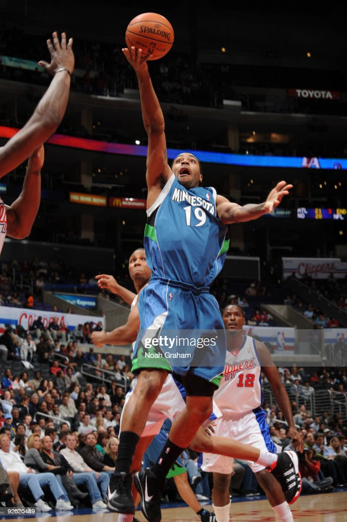 Wayne Ellington of the Minnesota Timberwolves goes up for a shot against the Los Angeles Clippers at Staples Center on November 2 2009 in Los Angeles...