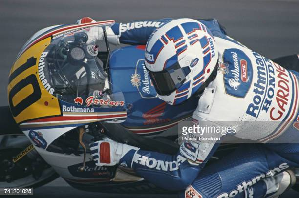 Wayne Gardner of Australia riding the Rothmans HondaHRC NSR500 during the British motorcycle Grand Prix on 5 August 1990 at the Donington Park...
