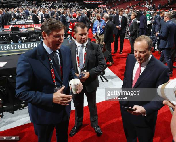 Wayne Gretzky and Gary Bettman attend the 2017 NHL Draft at the United Center on June 23 2017 in Chicago Illinois