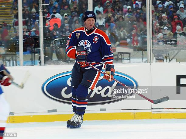 Wayne Gretzky of the Edmonton Oilers watches the play from the wing against the Montreal Canadiens during the Molson Canadien Heritage Classic on...