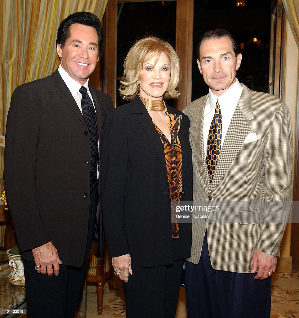 Wayne Newton Phyllis McGuire and Chairman and CEO of MGM Alex Yemenidjian at the advance screening of John Woo's Windtalkers