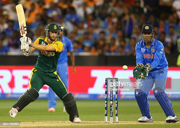 Wayne Parnell of South Africa bats during the 2015 ICC Cricket World Cup match between South Africa and India at Melbourne Cricket Ground on February...